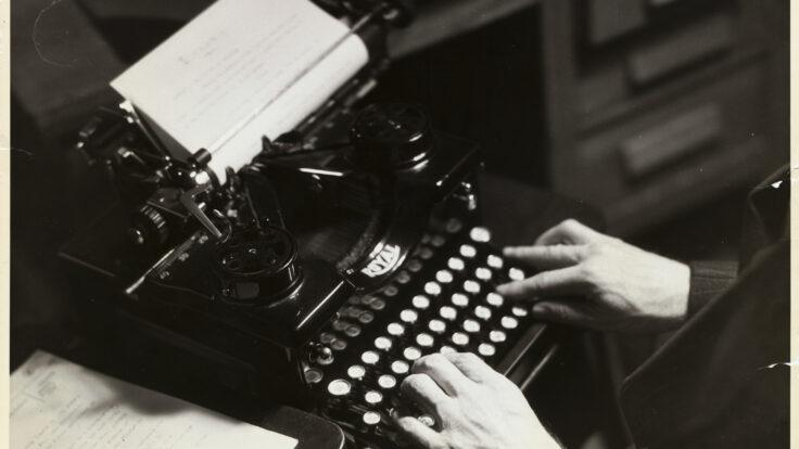 Hands on Manual Typewriter